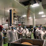 La Fundación Down Zaragoza visita la fábrica de Buenola